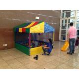 piscina de bolinha inflável para festa